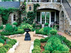 Lovely garden. I want to use a similar gravel path around a large fountain