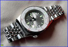 New member of the Doxa club; Doxa sub Sharkhunter - Page 2 Vintage Dive Watches, Almost Perfect, Bracelet Watch, Club, Cool Stuff, Happy