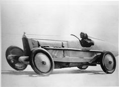 DePalma at speed at Daytona in 1919 prior to his seting the land speed record with the 905 aero engine liberty. Aero-Engined Vintage Racers - THE H.A.M.B.