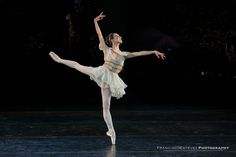 https://flic.kr/p/oyma2f | International Evening of Dance 2 | Isabella Boylston (American Ballet Theatre) performs Diana & Acteon as part of the International Evening of Dance program of the 2014 Vail International Dance Festival.