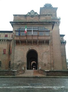 October is a time when we visit #Bologna #Italy to review #leathers for the upcoming seasons at the Lineapelle exhibition. We snuck away to #ferrara while there to explore #Castelloestense