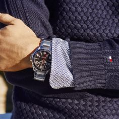 A chunky metal watch is always right on time  TommyHilfiger Festa Casual,  Meninos Mauricinhos 1efcb845ce
