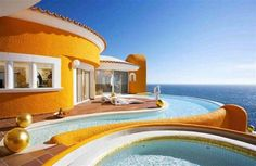 Italian Villa. Not liking the colour but love the idea and view etc