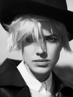 Agyness Deyn by Ben Weller - Exit Magazine Winter 2011 Agness, Photoshoot, Fashion Images, Photographer, Fashion Pictures, Weller, Agyness Deyn, Fashion, Beauty