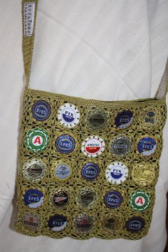 mixed beer bottle caps crocheted together for this shoulder bag - lined with inner pocket, optional zipper 75 TL, 25 euro Beer Bottle Caps, Euro, Shoulder Bag, Zipper, Pocket, Bags, Handbags, Shoulder Bags, Beer Caps