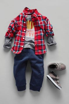 'Small fry' | Toddler boys' fashion | Kids' clothes | Graphic tee | Plaid woven shirt | Joggers | Sneakers | The Children's Place