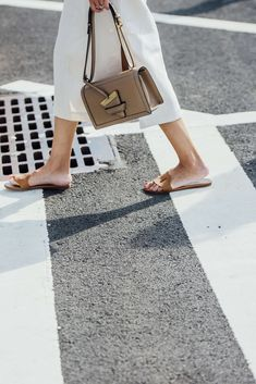 September 8, 2016 Tags Brown, White, Loewe, Shoes, Women, Flats, Bags, Skirts, Rings, New York, Sandals, SS17 Women's