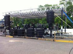 Stage Equipment, Audio Equipment, Jbl Subwoofer, Dj Sound, Speaker Design, Sonos, Stage Set, Audio Speakers, Stage Design