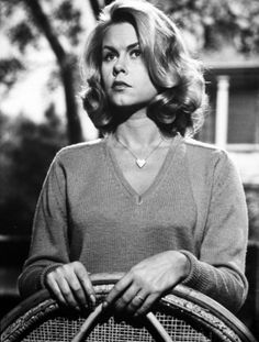 Elizabeth Victoria Montgomery (April 15, 1933 – May 18, 1995). Best known for her role as the beautiful witch Samantha Stevens in the TV show Bewitched (1964-1972), Elizabeth was much more then jus…