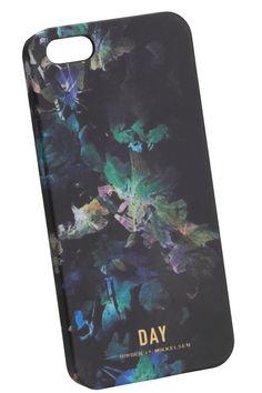 Mobilskal IP Flower från DAY passar till iPhone 5. Snyggt mönstrat på  baksidan… Rom f240dcb9e99e3