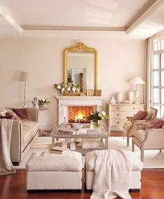 Marcos dorados Si son grandes, son ideales para espacios destacados como la embocadura de una chimenea, por ejemplo.