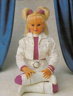 A temida boneca da Xuxa.   20 bonecas que vão fazer você lembrar que nem sempre a infância era tão doce assim
