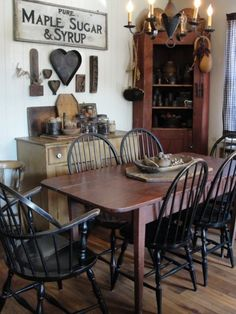 Great kitchen/dining room ideas! Love the maple syrup sign.