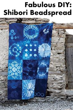 Shibori is the name for an impressive Japanese batik technique, in which … - Diy Fabric Fabric Painting, Fabric Art, Fabric Crafts, Shibori Fabric, Shibori Tie Dye, Diy Clothes Kimono, Shibori Techniques, Indigo Dye, How To Dye Fabric