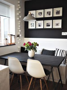 Modern Small Dining Table Design Ideas For Inspiration 1 Dining Corner, Dining Nook, Small Dining, Dining Chairs, Dining Room Inspiration, Home Decor Inspiration, Room Interior, Interior Design, Dining Table Design