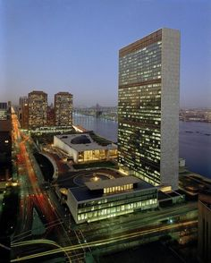 AD Classics: United Nations / Wallace K. Harrison | ArchDaily