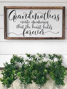Grandmothers create memories that the heart hold forever. Gift for Grandma. Rustic wood sign - Grandmothers create memories that the heart hold forever. Diy Gifts For Grandma, Birthday Gifts For Grandma, Grandmother Gifts, Christmas Gifts For Grandma, Mom Gifts, Grandmothers, Mothers Day Signs, Mothers Day Crafts, Mothers Day Decor