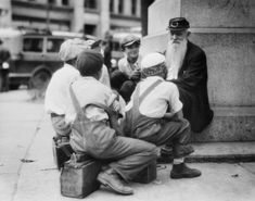 Elderly Civil War Veteran recalls his life to listening children, 1935