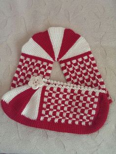 This Pin was discovered by Ozk Christmas Crochet Blanket, Holiday Crochet, Blanket Crochet, Crochet Slipper Pattern, Crochet Slippers, Diy Crafts Crochet, Crochet Home, B 13, Tunisian Crochet
