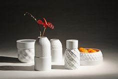 Vases texturés by Guillaume Delvigne & Ionna Vautrin