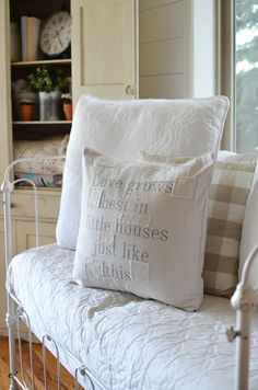 Tips for Decorating Your Home on a Budget and Why Accessories Really Matter. Farmhouse style decor ideas!