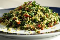 Tabouli Recipe (Middle Eastern bulgur and parsley salad) Middle Eastern Salads, Middle Eastern Recipes, Heart Healthy Recipes, Vegetarian Recipes, Cooking Recipes, Vegetarian Dish, Herb Recipes, Parsley Recipes, Easy Recipes