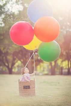 Love this photograph for baby's one-year pictures! Display at the circus themed party. #socialcircus
