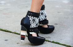 thezoereport:  Those Rodarte sand heels…so stunning!Image via Jak  Jil