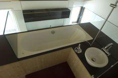Badezimmer mit Ausblick #architecture #interior #hotel #apartment #chalet Architekt: HolzBox Tirol, Foto: Gerda Eichholzer Corner Bathtub, Box, Bathroom, Design, Apartments, Bath Room, Bathing, Homes, Washroom