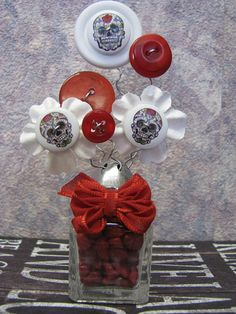 Salt Shaker Button Bouquet Salt Shaker Bouquet Day of the Dead Salt Shakers, Button Bouquet, Button Crafts, Day Of The Dead, Ornament Wreath, Small Gifts, Buttons, Sewing, Craft