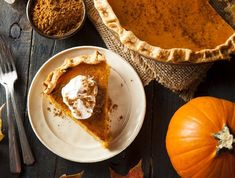 Celebrate the combination of pumpkin and spice with these yummy autumn dessert recipes, from sweet pumpkin pie to spiced pumpkin cake. These pumpkin desserts are perfect for Thanksgiving or Halloween. Healthy Pumpkin Pies, Easy Pumpkin Pie, Homemade Pumpkin Pie, Pumpkin Pie Recipes, Pumpkin Dessert, Pumpkin Pie Spice, Pumpkin Puree, Baked Pumpkin, Caramel Mou