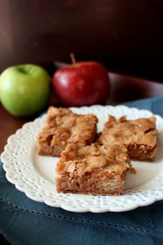 These Apple Blondies are packed full of delicious fall apple flavors in a soft, cinnamon blonde brownie.