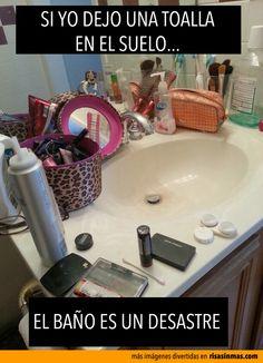 Este baño no es un desastre.