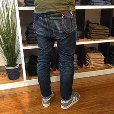 http://chicerman.com  selvedge-socks-shoes:  Our man in Myer Melbourne Harry has broken in his Razor VJS beautifully. #fromvirgintovintage   #virgindenim #drydenim #selvedgedenim #rawdenim #denimfades #honeycomb #myer #themyerman #myerman #denham #denhamthejeanmaker #denhamlegend #denhamaustralia by @denham_australia  #menshoes