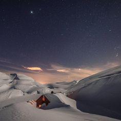 """""""Wow! Rekk opp hånda om du også fikk lyst til å dra hit  Foto: @fjellfalck  #turistforeningen #utno #liveterbestute #få15 #tromsø #norway"""""""