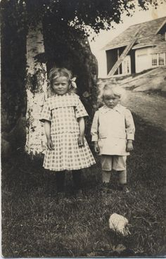 Two #Finnish country children in their Sunday best. Early 20th century?