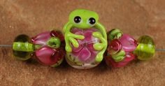 Glass Lampwork Beads Frog in my Gardens SRA 996 by carolynsbeads