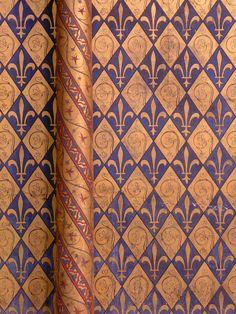 The walls in Sainte Chapelle Sainte Chapelle Paris, Saint Chapelle, Amazing Architecture, Architecture Details, Gothic Architecture, Ile Saint Louis, Beautiful Calligraphy, Paris Love, Old Paintings