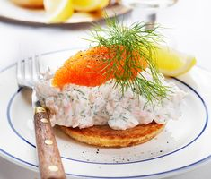 Starter - Toast Skagen (One of my personal favourites! Swedish Cuisine, Swedish Dishes, Swedish Recipes, Skagen, Salat Wraps, Shrimp Toast, Wellington Food, Chef's Choice, Scandinavian Food