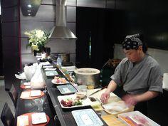 Bun Sichi · 文七 · Restaurante Japonés Uno de los primeros de Barcelona Barcelona, Table Settings, Restaurants, Place Settings, Table Arrangements, Desk Layout