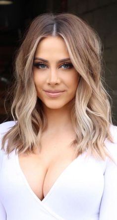 Hair 2019 Hair 2019 Related posts: 25 Balayage Hair Colors – Blonde, Brown and Caramel Highlights Most beloved Cute Short Hair Ideas Bridal hairstyles with flowers – 28 ideas for flowers in the hair Pixie Haircuts 2018 Pixie Hair Trends Frisuren Brown Ombre Hair, Ombre Hair Color, Blonde Ombre, Blonde Wig, Brown To Blonde, Bright Blonde, Short Hair Cuts, Short Hair Styles, Caramel Blonde Hair
