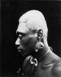 Arawe-Mann von Süd-Neutpommern mit künstich ausgebildetem Turmschädel