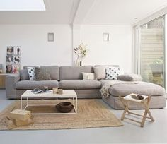 Schöne Ideen fürs Wohnzimmer | living room ideas #interiordesign | selected by…