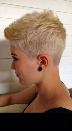 Today we have the most stylish 86 Cute Short Pixie Haircuts. We claim that you have never seen such elegant and eye-catching short hairstyles before. Pixie haircut, of course, offers a lot of options for the hair of the ladies'… Continue Reading → Blonde Pixie Haircut, Short Blonde Pixie, Short Pixie Haircuts, Pixie Hairstyles, Super Short Hairstyles, Haircut Short, Blonde Hairstyles, Hairstyle Short, Bridal Hairstyle