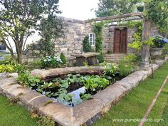 Turismo de Galicia: The Pazo's Secret Garden was designed by Rose McMonigall, and built by Bowood Landscapes Ltd, for the RHS Hampton Court Palace Flower Show 2017. The RHS judges awarded this World Garden a Silver-Gilt Medal.