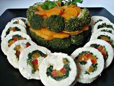 Rulada de pui cu legume - CAIETUL CU RETETE Multicooker, Caprese Salad, Biscuits, Food And Drink, Ethnic Recipes, Decor, Salads, Crack Crackers, Cookies