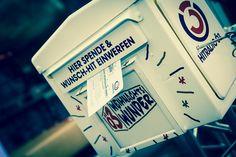 Inbox at Ö3-Weihnachtswunder Container, Tours, Logo, Logos, Environmental Print