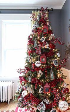 Burlap Christmas Tree, Christmas Tree Design, Woodland Christmas, Beautiful Christmas Trees, Farmhouse Christmas Decor, Christmas Home, Christmas Decorations, Plaid Christmas, Christmas Christmas