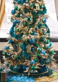 peacock christmas tree peacock christmas decorations peacock christmas tree decorated christmas trees beautiful - Teal And Gold Christmas Decorations