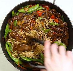 Asian Recipes, Ethnic Recipes, Japchae, Casserole, Chinoiserie, Foodies, Exercise, Tatoo, Ramen Noodle Recipes